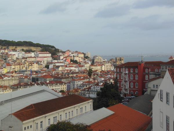リスボン・サン・ペドロ・デ・アルカンタラ展望台からの風景