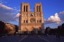 パリ・ノートルダム大聖堂