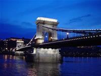 くさり橋の夜景(ブダペスト)